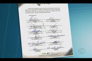 Movimento pede redução de salários e vereadores na Câmara de Paracatu - Moradores e entidades fizeram ato na Casa nesta segunda-feira (22).Dentre reivindicações também está o fim da verba indenizatória.