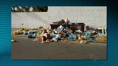 Suspensão da coleta de lixo em Canindé do São Francisco é motivo de reclamação - Suspensão da coleta de lixo em Canindé do São Francisco é motivo de reclamação. Prefeitura diz que serviço já foi restabelecido.