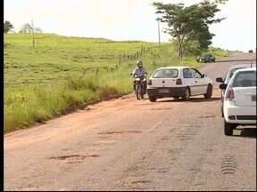Situação da Estrada Aymoré coloca em risco a vida dos motoristas - Problema é antigo e se arrasta há anos.