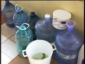 Moradores do Jardim Ipê reclamam da falta de água em Valadares - Eles afirmam que a situação é recorrente há mais de dois meses.