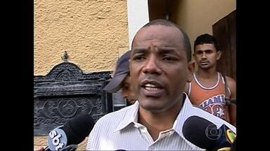 """Polícia Civil prende ex-vereador Luiz André Ferreira da Silva, conhecido como """"Deco"""" - Ele é acusado de homicídio e formação de quadrilha. Em 2011, justiça já tinha condenado o ex-vereador a dez anos de prisão por comandar uma milícia que atuava na Zona Oeste da cidade"""