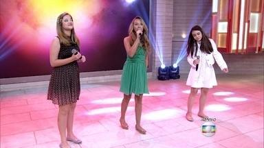 Luiza Prochet, Luna Maria e Tábatha Almeida cantam 'Drão' - As três meninas se apresentaram no último dia de batalha do 'The Voice Kids'