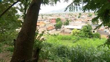 RJ Móvel cobra obra de praça em Nova Iguaçu - Moradores pedem uma praça com área de lazer no bairro Ponto Chic. Eles pedem que essa praça seja construida num terreno da prefeitura no conjunto habitacional Maria Inez.