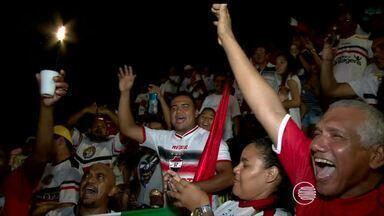 Torcidas de Altos e River-PI fazem a festa no estádio Felipão em partida sem gols - Torcidas de Altos e River-PI fazem a festa no estádio Felipão em partida sem gols