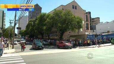 Polícia busca responsáveis a assalto ao cartório eleitoral de Caxias do Sul, RS - Caso prejudicou o atendimento no local.