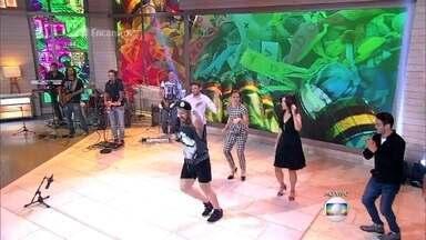 Fátima e convidados dançam 'Milla' - Apresentadora convence um tímido assumido a se soltar no palco com ela, Bárbara Paz, Roberto Shinyashiki e Lair Rennó