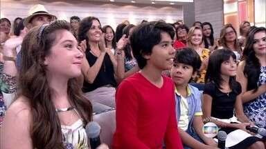 Crianças do 'The Voice Kids' pensam como serão suas vidas em 40 anos - Pérola Crepaldi, Enzo e Éder e Iris Pereira participam do 'Encontro'
