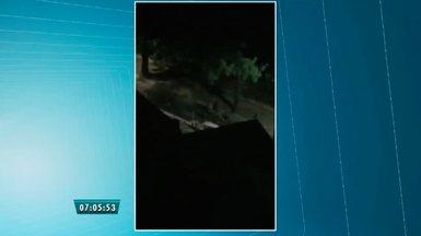Video flagra assalto a moradores do Cocó, em Fortaleza - Assalto aconteceu na Rua Santa Terezinha do Menino Jesus,