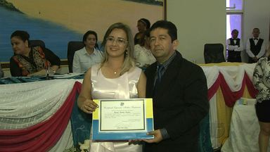 Câmara de Santarém realiza sessão em homenagem as mulheres - Pedido foi feito pelas únicas três mulheres no legislativo. 20 profissionais de vários segmentos receberam certificado.