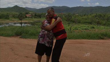 Mãe reecontra filho após ajuda do mutirão do CETV - Ela comemora o reencontro no Dia das Mulheres.