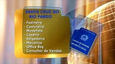 PAT de Santa Cruz do Rio Pardo oferece vagas de emprego - O Posto de Atendimento ao Trabalhador (PAT) de Santa Cruz do Rio Pardo (SP) estão disponíveis vagas para faxineira, costureira, modelista, caseiro, salgadeira, mecânico, office boy e consultor de vendas. O PAT fica na Avenida Tiradentes, 438, no centro da cidade.