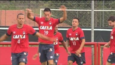 Atlético decide classificação na Copa da Primeira Liga - Se o time sofre com a irregularidade no Campeonato Paranaense, depende de um empate nesta quarta (9) contra o Cruzeiro para assegurar o primeiro lugar no grupo A da competição regional