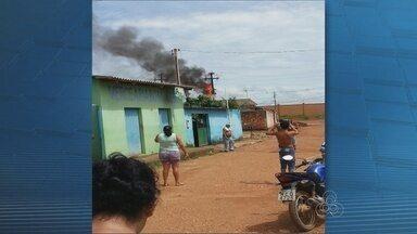 Moradora flara transformador pegando fogo em Porto Velho - Joana Torres enviou imagens pelas redes sociais do Rondônia Tv.