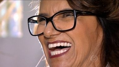 Pacientes com problemas dentários contam que implante mudou suas vidas - Muita gente passa a vida escondendo o sorriso por insegurança dos próprios dentes. Grécia Jordana conta que, em vez de 32 dentes, tinha apenas 21. Ela conta como tratou o problema e superou o trauma.