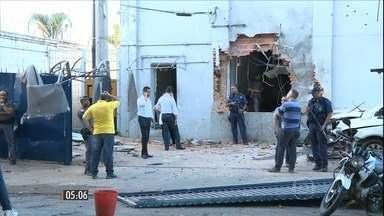 Assalto violento a empresa de valores assusta moradores de Campinas, SP - Ação dos bandidos durante um assalto a uma empresa de transporte de valores impressionou. Não faltaram tiros e explosões.