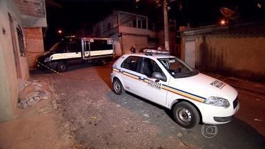 Jovem é morto a tiros ao sair de carro em Contagem, na Grande BH - Crime foi na noite desta terça-feira no bairro Bela Vista.