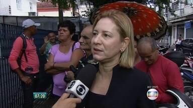 Motoristas têm dificuldades para fazer agendamento no Expresso Cidadão - Equipe do Bom Dia PE também tentou realizar o procedimento e encontrou falhas. Unidade do Recife acumula filas.