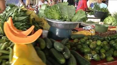 Preço das verduras aumenta em mercados de Caxias, MA - Os preços aumenta à medida em que a Semana Santa se aproxima; consumidor já está sentindo no bolso a alteração nos valores.