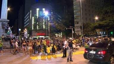Belo Horizonte tem novo protesto contra Lula e governo do PT - Cerca de 3 mil manifestantes estavam no ato às 20h, diz PM.