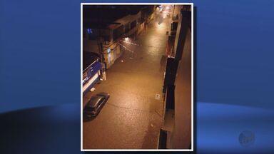 Chuva alaga ruas e causa estragos em Pouso Alegre (MG) - Chuva alaga ruas e causa estragos em Pouso Alegre (MG)