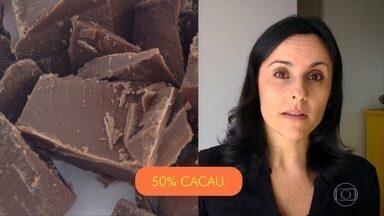 Chocolate meio amargo é a opção mais saudável - O chocolate ao leite tem muito açúcar. O chocolate branco é feito de gordura e açúcar.