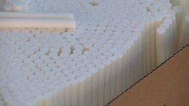 Polícia Federal apreende filtros suficientes para mais de 7 milhões de cigarros - Grande quantidade seria enviada a fábrica de cigarro clandestino.