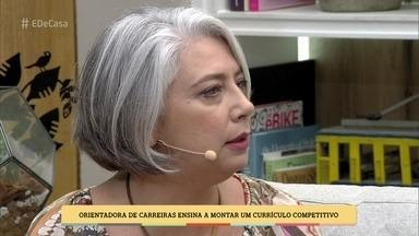 Orientadora de carreira dá dica para montar um currículo competitivo - Adriana Gomes avisa que o candidato deve cuidar de sua imagem nas redes sociais para não prejudicar suas possibilidades no mercado
