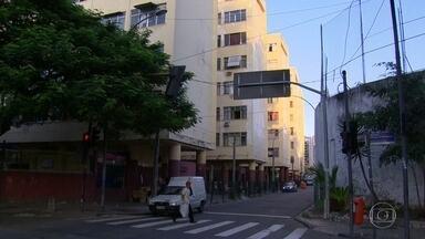 Idoso morre em incêndio no Leblon - O incêndio foi no apartamento onde ele morava na Cruzada São Sebastião.