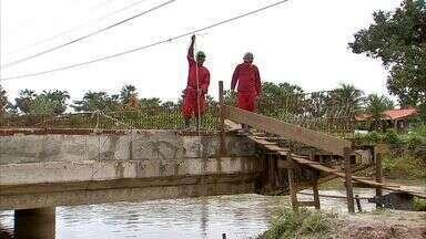 Obra inacabada em ponte prejudica moradores na Paupina - Obra inacabada em ponte prejudica moradores na Paupina.