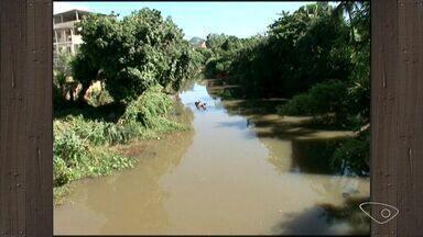 Estiagem prejudica colheita de café no Sul do ES - A chuva que chega a região não é suficiente para manter a produção.