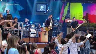 Skank abre o 'Altas Horas' com musical - Banda canta o hit 'Vou deixar'