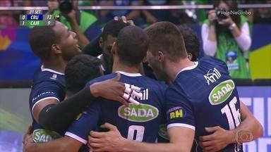 2º set: Pancada do Leal e ace do Cruzeiro - 11/9 - 2º set: Pancada do Leal e ace do Cruzeiro - 11/9