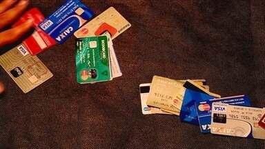 Cartão de crédito é o maior causador de endividamento entre catarinenses, aponta pesquisa - Cartão de crédito é o maior causador de endividamento entre catarinenses, aponta pesquisa