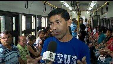 Usuários do metrô reclamam dos atrasos e inconstâncias das viagens - Usuários do metrô reclamam dos atrasos e inconstâncias das viagens