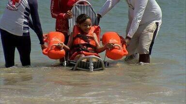 'Praia Acessível' facilita banho de banho de mar para pessoas com deficiência - 'Praia Acessível' facilita banho de banho de mar para pessoas com deficiência