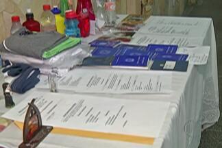 Fieis em Itaquaquecetuba levam carteira de trabalho para serem abençoadas - Missas na região colocam intenções pelos desempregados.