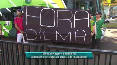 Grupo de Cascavel e Toledo viaja para Brasília para acompanhar votação do impeachment - Os manifestantes são favoráveis ao impeachment da presidente Dilma
