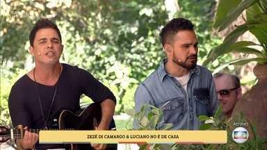 Zezé di Camargo e Luciano cantam 'É o amor' - Relembre o sucesso da dupla