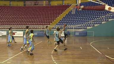 Jogos Escolares da Juventude movimentam mil atletas em Londrina - Os jogos estão na fase municipal, que vai classificar as equipes para a fase regional.