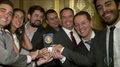 Planeta Extremo recebe prêmio em evento nos Estados Unidos - Temporada 2015 do programa ganhou a medalha de bronze na categoria esporte e diversão, além disso foi finalista em outras três categorias, no festival internacional de filme e televisão de Nova York.