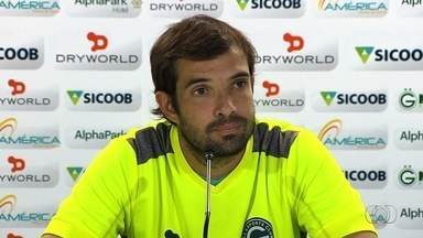 David admite que Goiás precisa evoluir para chegar à final - Meia do Verdão comenta atuação ruim no clássico contra o Vila Nova e espera que time atue melhor no próximo domingo.