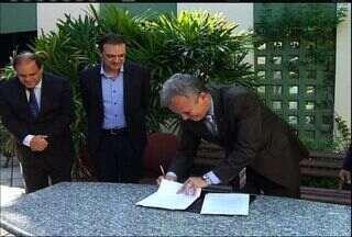 Ministro das Comunicações, André Figueiredo, visita a TV Verdes Mares Cariri - Ministro das Comunicações, André Figueiredo, visita a TV Verdes Mares Cariri.
