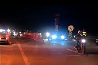 Rodovias tem movimento intenso na saída do feriado de Tiradentes - Em Mogi das Cruzes até a próxima segunda (25), mais de 13 mil pessoas deverão embarcar e desembarcar no Terminal Rodoviário.