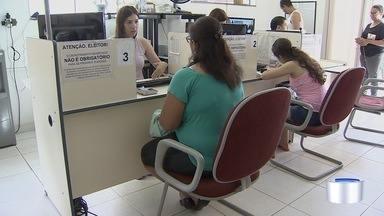 Moradores de Taubaté aproveitam feriado para regularizar título de eleitor - Prazo para regularização termina em duas semanas.