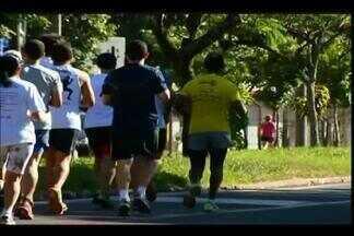 Começam preparativos para a Uberaba Night Run - Corrida tem percurso de até 10 km, e vários competidores fazem reconhecimento do trecho.
