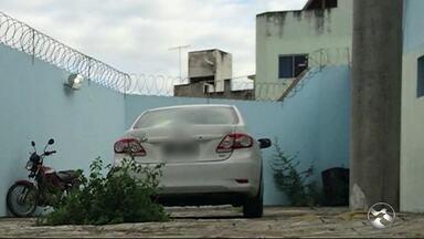 Perícia encontra sangue em carro do jornalista Marcolino Junior em Caruaru - Colunista desapareceu sábado e foi achado morto na segunda-feira (18).