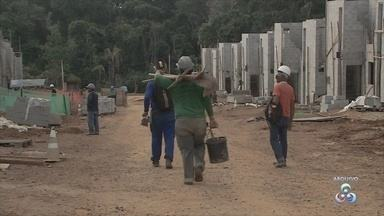 Aumentou o número de desemprego entre trabalhadores da construção civil - Em Porto Velho trabalhadores dessa área invadiram o Sine Estadual em busca de meprego.