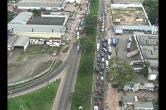 Protesto reúne motoristas de transporte alternativo - Alvo da manifestação é a fiscalização realizada pela Arcon.
