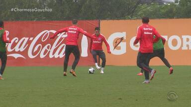 Inter já treina no clima da Serra de Caxias do Sul, RS - Primeiro jogo da decisão será na casa do Juventude.