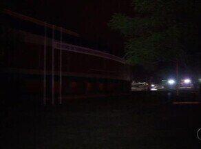 Moradores reclamam da falta de iluminação em local próximo ao ginásio Ayrton Senna - Moradores reclamam da falta de iluminação em local próximo ao ginásio Ayrton Senna